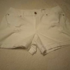 (NWT) Time and Tru distress shorts